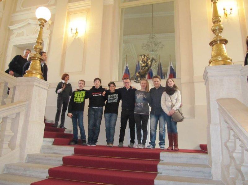 velicastno-stopnisce-v-predsednikovi-palaci